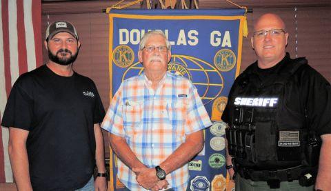Officers visits Kiwanis