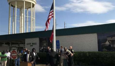 City lowers flag at City Hall in remembrance of Commissioner Johnnie Lee Roper