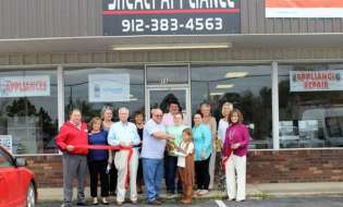 Shealy Appliance celebrates with a ribbon cutting
